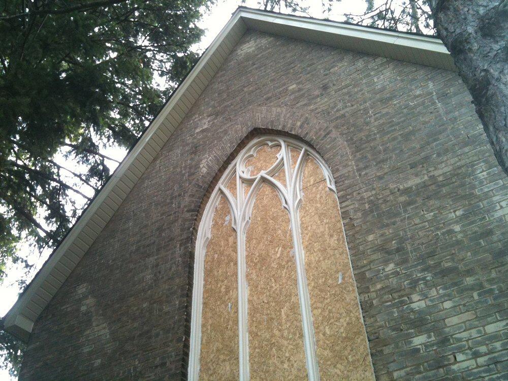 aurora_church_001